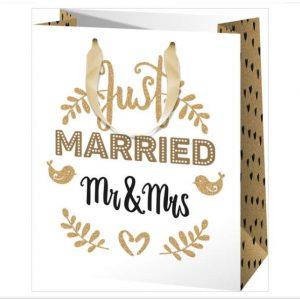Friss házasok ajándékzacskó nászajándékhoz, esküvői kellék
