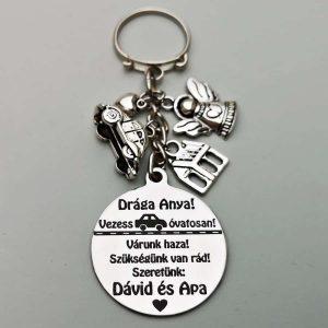 Anya védelmezője-autós kulcstartó, gravírozott kulcstartó, egyedi ajándék, őrangyal kulcstartó