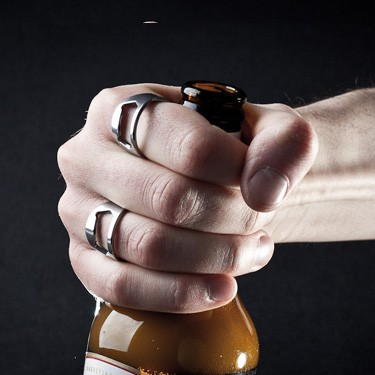sörnyitó gyűrű acélból