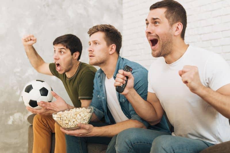 focimeccs nézés a haverokkal