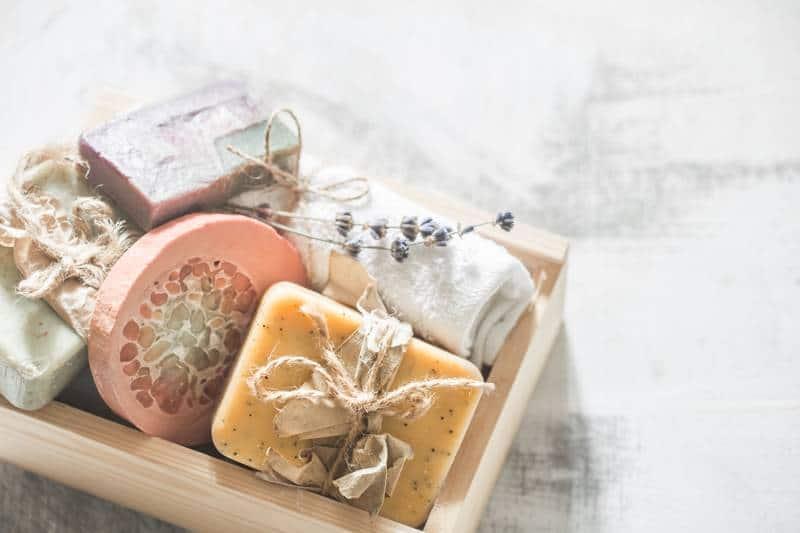 DIY spa dobozok és egyéb praktikus kiegészítők a kényeztető fürdőzésekhez