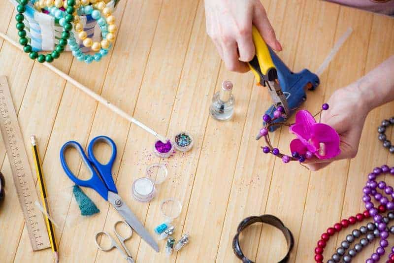 Kreatív és egyedi készítésű DIY ajándék ötletek, amiket fillérekből is kihozhatsz, miközben megtapasztalhatod a kreativitás élményét.