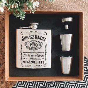 Whiskys stílusú gravírozott flaska szett